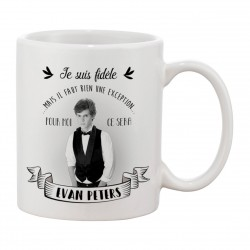 MUG FIDELE Evan Peters